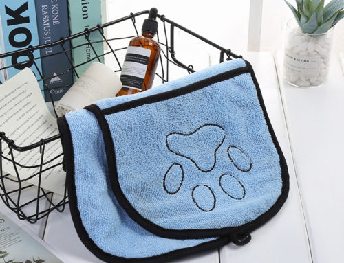 Paw logo dog towel fast dry microfiber pet towel with 2 pockets embroidered pet towels