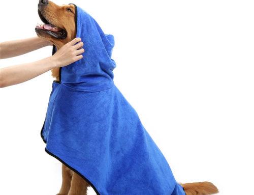 جودة الجملة ستوكات جودة مريحة وماء ماصة مناشف الكلب مع غطاء محرك السيارة
