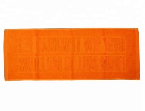 Ręcznik kąpielowy z wysokiej jakości bawełny frotte 32s z wytłoczonym logo producenta ręczników bawełnianych